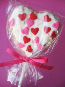 heart shaped rice krispie pop